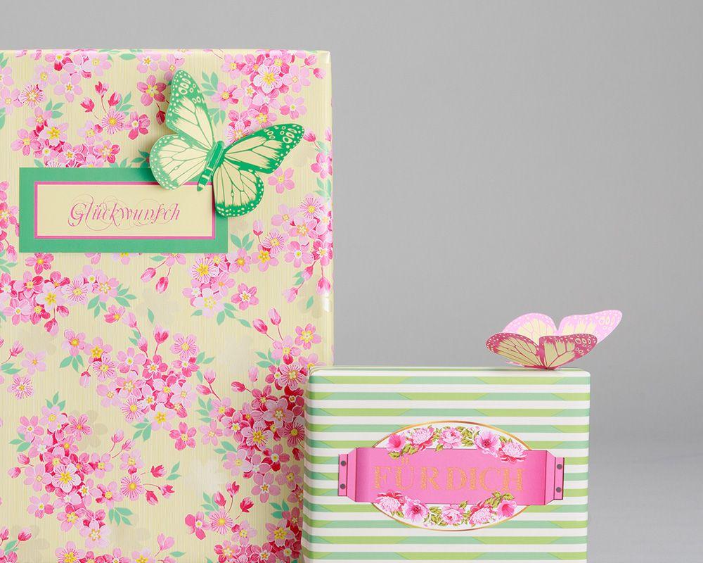 Blumige Gluecksboten Geschenkverpackung florales Muster in Kombination beige lila mit Schmetterlingen